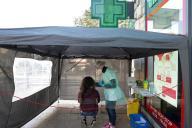 Test au Covid-19, devant une pharmacie à Antibes, le 23 novembre.