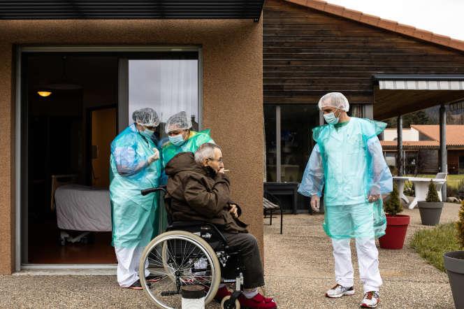 Unité Covid du foyer de vie pour adultes handicapés du Val d'Allier, à Langogne (Lozère), le 14 novembre 2020.