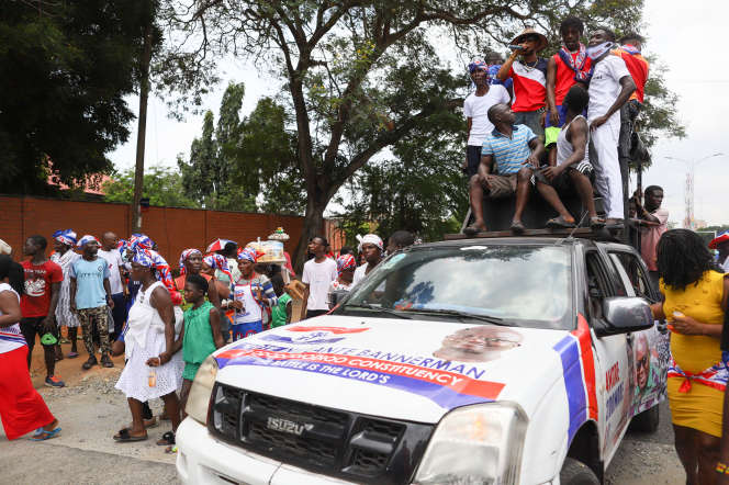 Des partisans du New Patriotic Party (NPP), la formation au pouvoir, à Accra, le 6 octobre 2020.