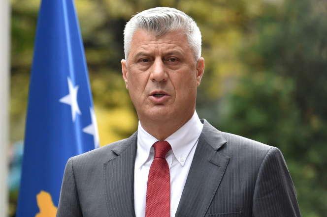 L'ancien président du Kosovo Hashim Thaçi lors d'une conférence de presse à Pristina, le 5 novembre.