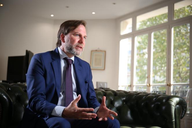 Avocat au Conseil d'Etat et à la Cour de cassation, Patrice Spinosi dans son bureau, à Paris, en décembre 2018.