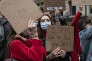 Rassemblement contre la loi de programmation de la recherche (LPR), devant l'université de la Sorbonne, à Paris, le 17 novembre 2020.