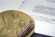 L'article premier de la Constitution française de 1958.