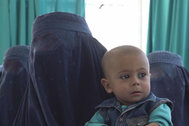 «Afghanistan : tu enfanteras dans le chaos»,documentaire de Margaux Benn et Solène Chalvon-Fioriti (2020).