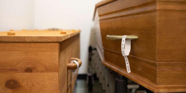 La deuxième vague de Covid-19 vue de l'hôpital Bichat: «Voir une dernière fois le visage, cela n'est malheureusement pas possible»
