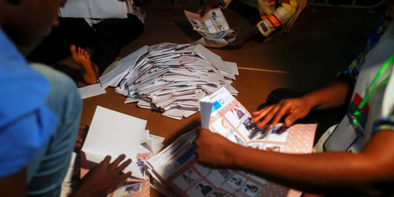 Présidentielle: le Burkina Faso attend des résultats déjà critiqués par l'opposition