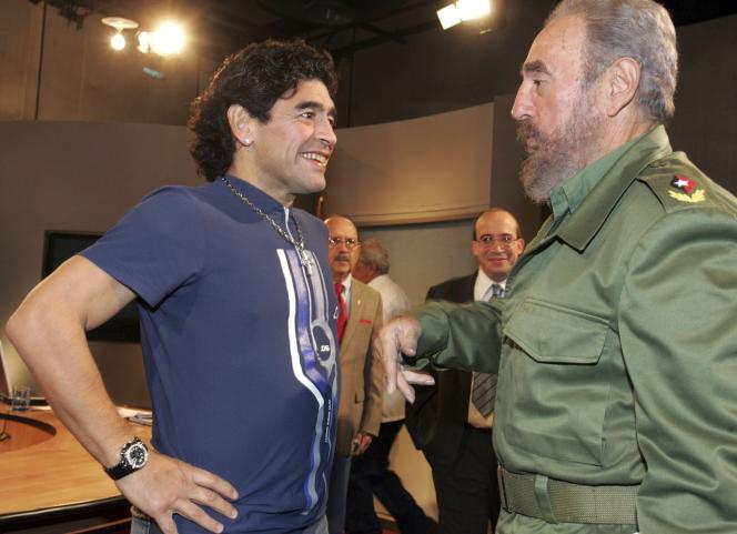 Diego Maradona avec Fidel Castro, à La Havane en octobre 2005.