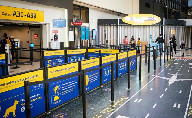 A l'aéroport international de Newark, dans le New Jersey (nord-est des Etats-Unis), le 21 novembre.