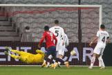 Jonathan Bamba égalise face à l'AC Milan lors de la 4e journée de la LigueEuropa au Stade Pierre Mauroy de Villeneuve d'Ascq, le 26novembre.