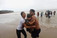 Les migrants vénézuéliens arrivent sur la plage de Los Iros, le 24 novembre à Erin (Trinité-et-Tobago).