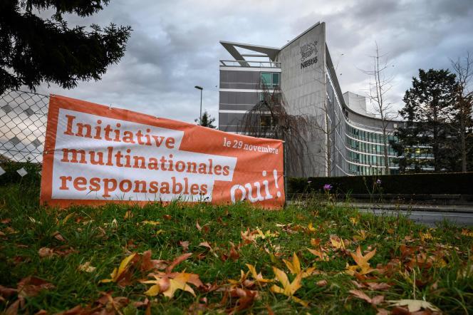 Devant le siège du géant de l'agroalimentaire Nestlé, le 19 novembre à Vevey (Suisse).