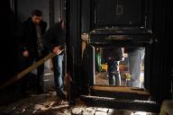 La porte du ministère de Benjamin Griveau, forcée à l'aide d'un chariot élévateur le 5 janvier 2019 à Paris.