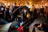 Violences policières: Gérald Darmanin assume l'évacuation musclée place de la République