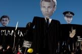 Lors d'une manifestation contre le projet de loi sur la «sécurité globale», place de la République à Paris, le 28 novembre 2020.
