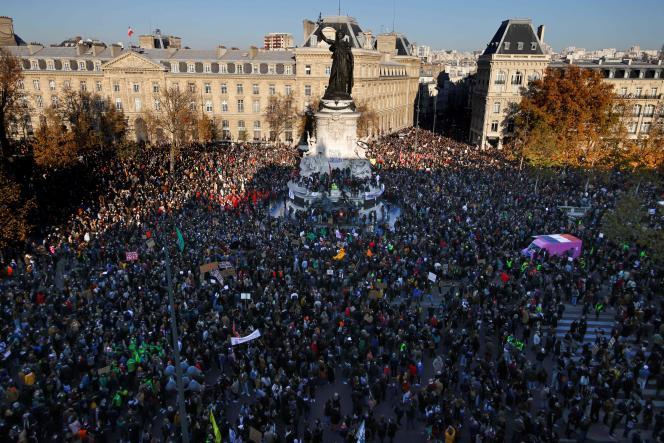 Les manifestants contre la loi « sécurité globale», le 28 novembre 2020, à Paris.