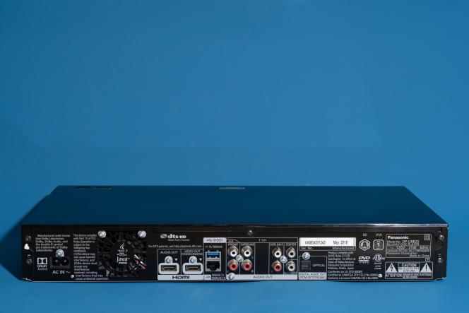 Le DP-UB820 comprend des sorties audio analogiques 7.1, une fonctionnalité que l'on ne trouve pas sur les lecteurs Blu-ray 4K moins chers.