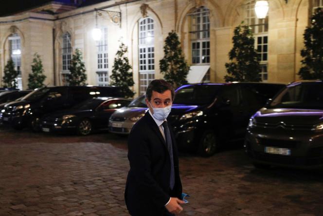 Le ministre de l'intérieur, Gérald Darmanin, quitte Matignon après une réunion avec le premier ministre, le 29 novembre.