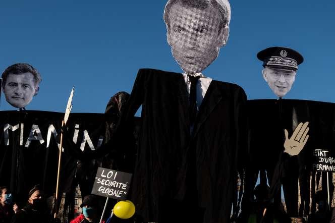 Lors de la manifestation contre le projet de loi« sécurité globale», le 28 novembre, à Paris.