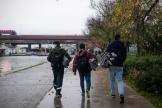 De jeunes migrants, à Saint-Denis, le 2 novembre.