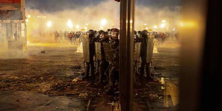 FDO place de la Bastille, lors de la manifestation contre la loi de Sécurité globale Paris France 28 novembre 2020 © Agnes Dherbeys / MYOP pour Le Monde