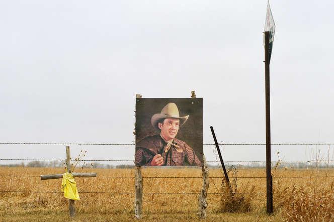 Un mémorial pour Kyle Evans, chanteur de country décédé en 2001 et ancienne star locale de Wessington Springs.