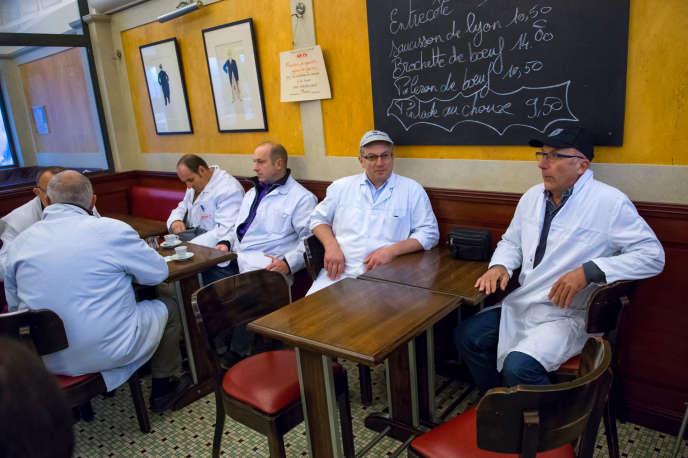 Les établissements de Rungis (ici, dans un des cafés du marché, en 2014) ont convaincu les autorités de les considérer comme des restaurants d'entreprise.