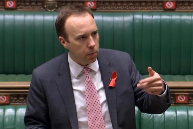 Le ministre britannique de la santé, Matt Hancock, clôturant un débat avant le vote sur les propositions du gouvernement pour des niveaux Covid-19 plus stricts, à la Chambre des communes, à Londres, le 1erdécembre 2020.