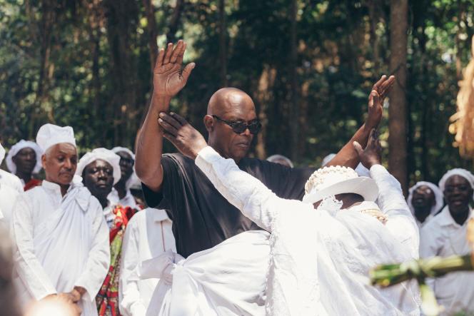 L'acteur Samuel L. Jackson, le 30 juillet 2019, lors d'une cérémonie initiatique chez les Benga, au Gabon.