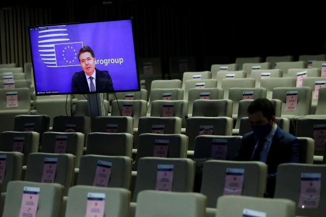 L'Irlandais Paschal Donohoe, président de l'Eurogroupe, intervient par vidéo, le 30 novembre à Bruxelles.