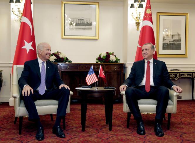 Le vice-président américain Joe Biden lors d'une réunion bilatérale avec le président turc Recep Tayyip Erdogan, à Washington, le 31 mars 2016.
