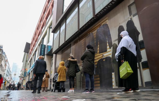 Les commerces ont rouvert mardi 1er décembre en Belgique, ici à Bruxelles.