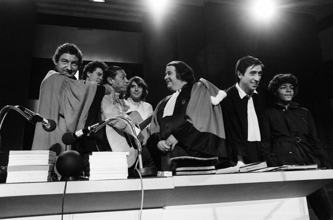 Dans un studio de la Maison de la Radio, le 3 décembre 1980, pendant l'enregistrement de l'émission de France Inter «Le tribunal des flagrants délires».
