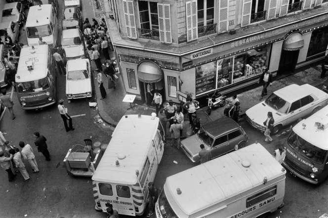 Photo d'archive datant du 9 août 1982 après l'attentat commis rue des Rosiers, à Paris. JACQUES DEMARTHON/AFP