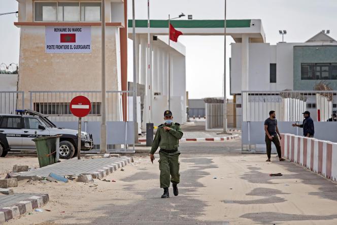 Le poste frontière de Guerguerat, situé au Sahara occidental, le 26 novembre 2020, après l'intervention des forces armées marocaines dans la région.