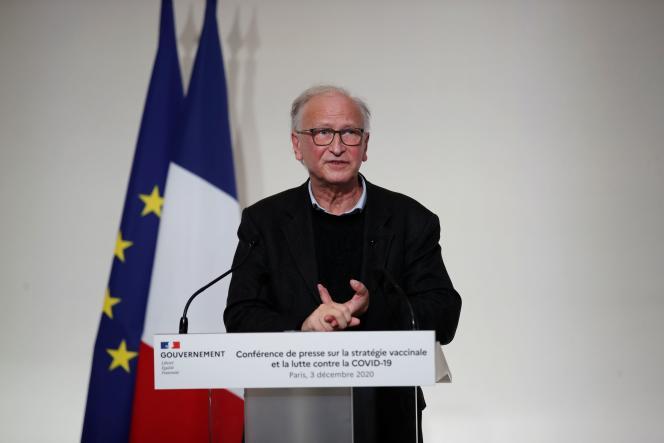 L'immunologiste Alain Fischer, nommé à la tête duconseil d'orientation de la stratégie vaccinale française, le 3 décembre à Paris.