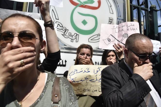 Manifestation à Alger, le 15 avril 2019, contre la censure qui s'exerce contre le médias.