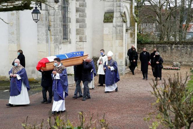 Lors de la cérémonie funéraire de Valéry Giscard d'Estaing, à Authon (Loir-et-Cher), le 5décembre.