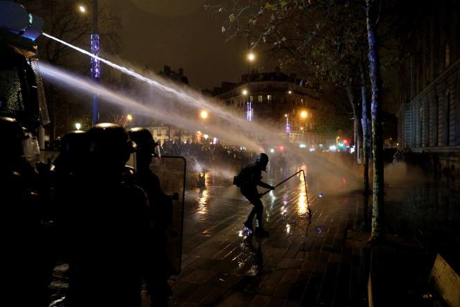 Lors de la manifestation parisienne, le 5 décembre.