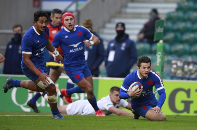 Brice Dulin aplatit pour marquer le seul essai français du match.