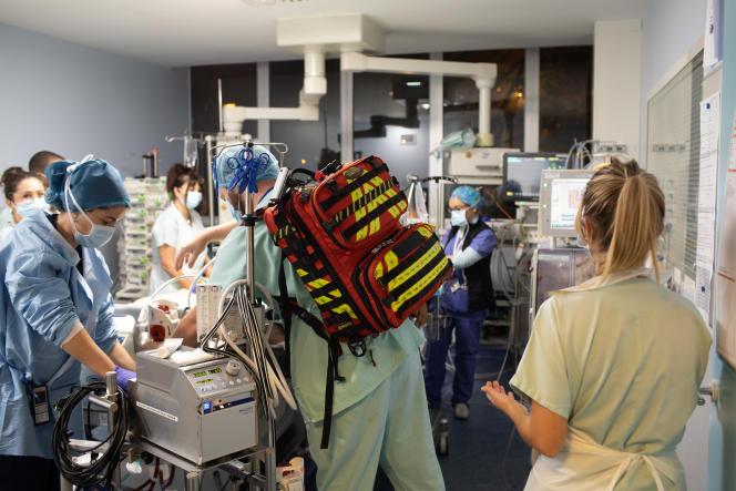 Le service de réanimation de l'hôpital Bichat lors de l'épidémie de Covid-19, le 22 octobre 2020.