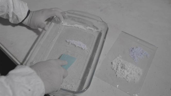 Dans un laboratoire artisanal clandestin de fentanyl appartenant au cartel de Sinaloa, dans les montagnes près de Culiacán (Sinaloa, Mexique).