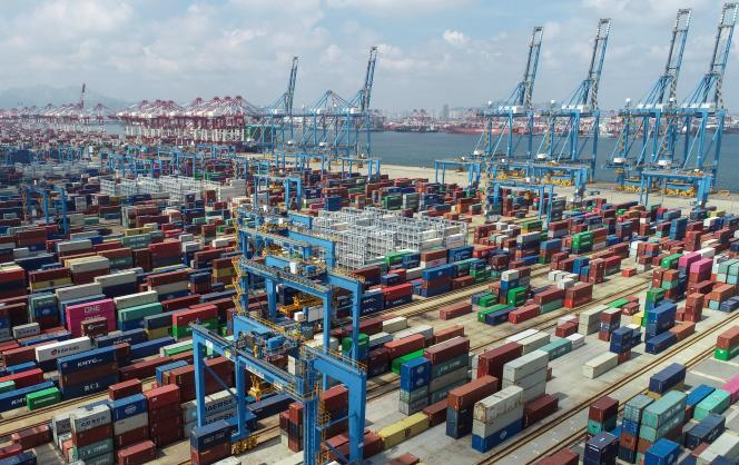 Au port de Qingdao (Shandong), en Chine, le 13 septembre.