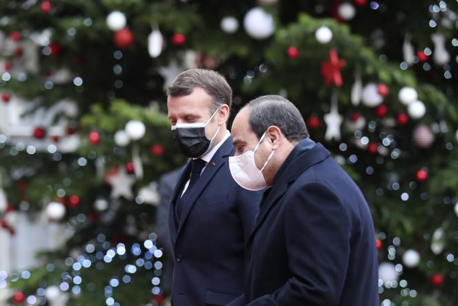 Le président égyptien a été officiellement reçu à l'Elysée lundi, à Paris.