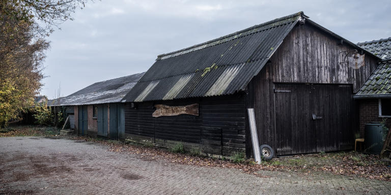 Bâtiment d'une ferme de Achter Drempt, un village situé dans la commune néerlandaise de Bronckhorst, dans la province de Gueldre, où il est écrit