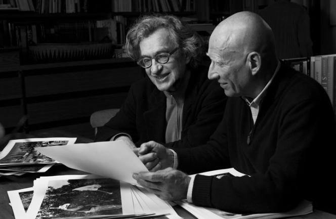 Le réalisateur Wim Wenders et le photographe Sebastião Salgado.