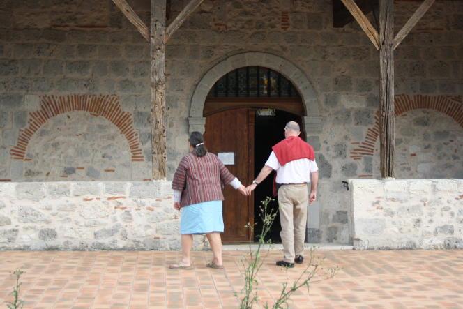 Après sept ans de relation clandestine, Marie-Laurence Brunet et Bernard Chalmel se sont mariés en 2006.
