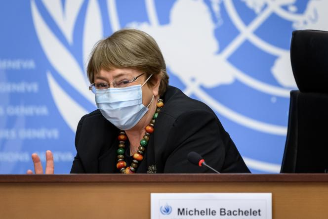 Michelle Bachelet a rappelé qu'en termes de violences policières, elle avait déjà fait part de ses inquiétudes durant les manifestations du mouvement de protestation des «gilets jaunes», commencé fin 2018 en France.