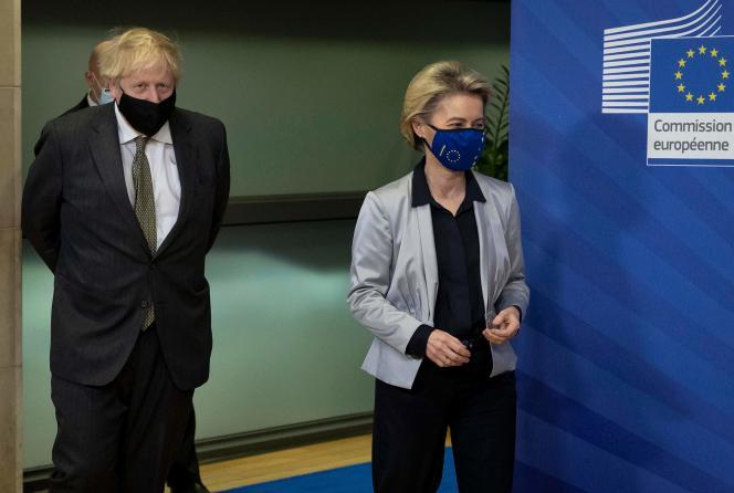 Le Premier ministre britannique Boris Johnson et la présidente de la Commission européenne, Ursula von der Leyen, le 9 décembre à Bruxelles.