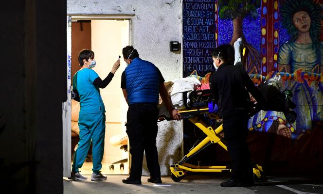 Dans une salle d'urgence à Los Angeles, Californie, le 8 décembre.