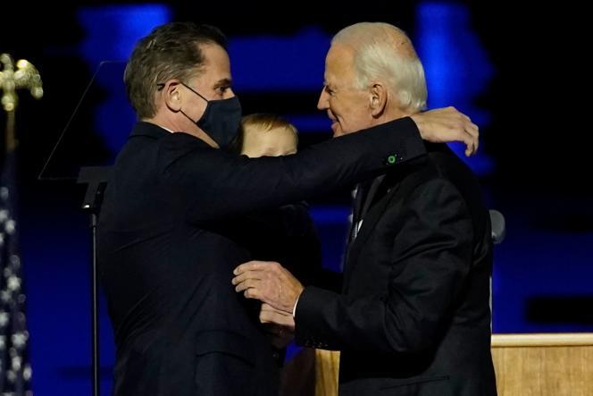 Le président élu Joe Biden et son fils Hunter Biden à Wilmington, Delaware, le 7 novembre.